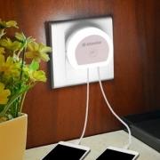 רק 0.99$ למנורת לילה + מטען עם 2 יציאות USB!!
